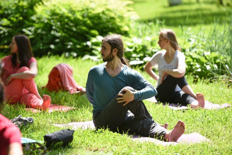 Бесплатная йога в парках Москвы: расписание и площадки