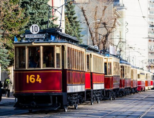 Программа Дня Московского транспорта 2019: парад трамваев, ночной велопробег и «танцующий» светофор.