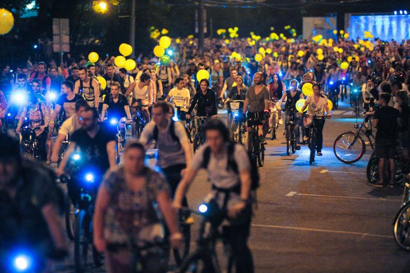 "Программа Дня Московского транспорта 2019: парад трамваев, ночной велопробег и ""танцующий"" светофор."